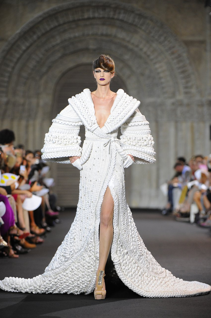 The prodigal flair of st phane rolland haute couture senatus for Haute couture garments
