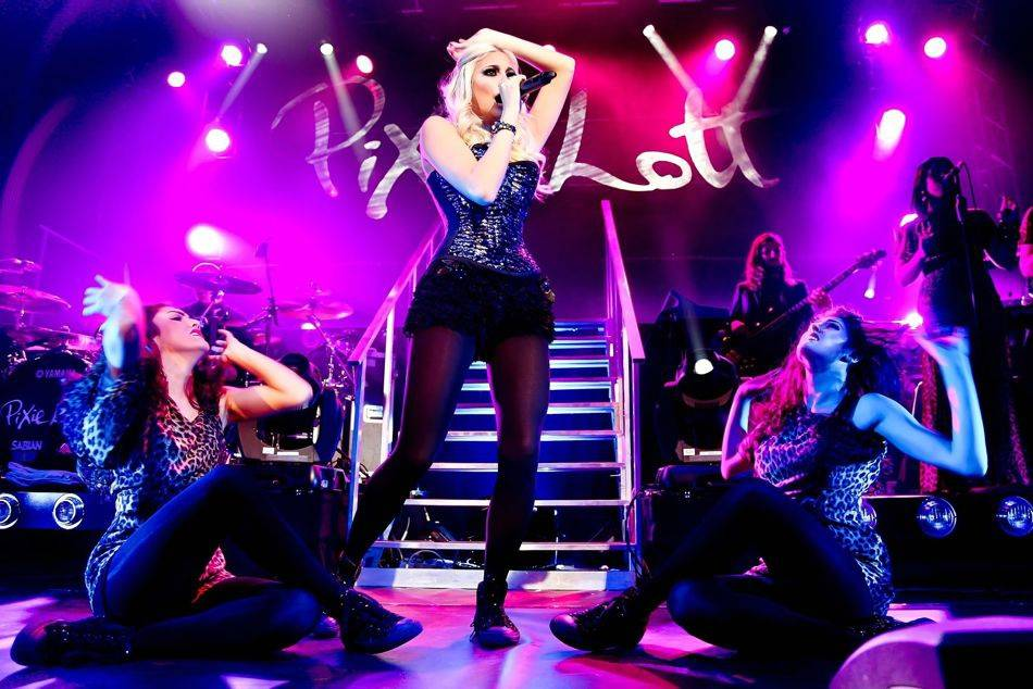 One of Britain's hottest female singers, Pixie Lott is set to perform in Singapore at a private showcase at Zirca on 18 May