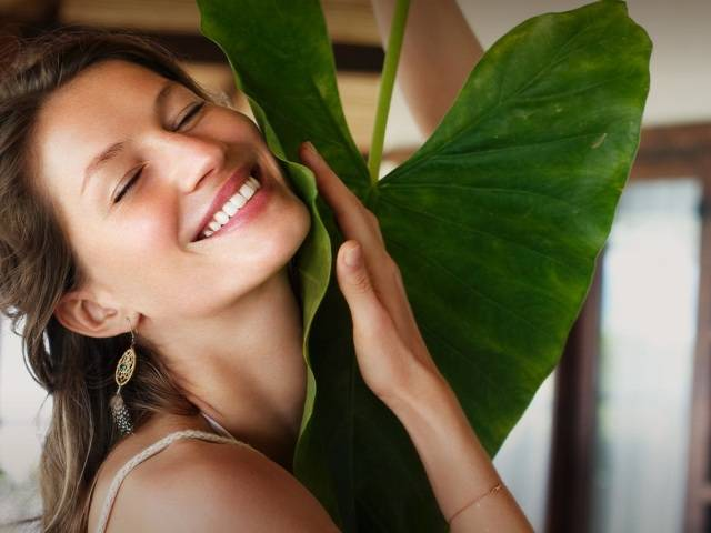 Sejaa Pure Skincare is an all natural skincare line developed by supermodel Gisele Bündchen