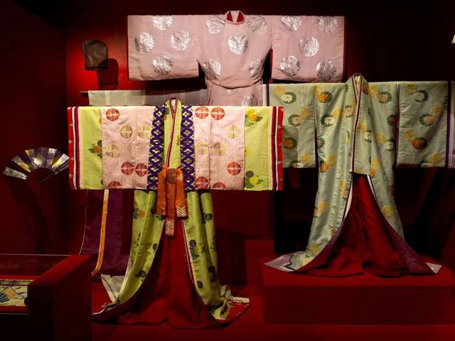 The Fondation Pierre Bergé – Yves Saint Laurent has devoted its 17th exhibition to Japanese theatre costumes, known as the Kabuki