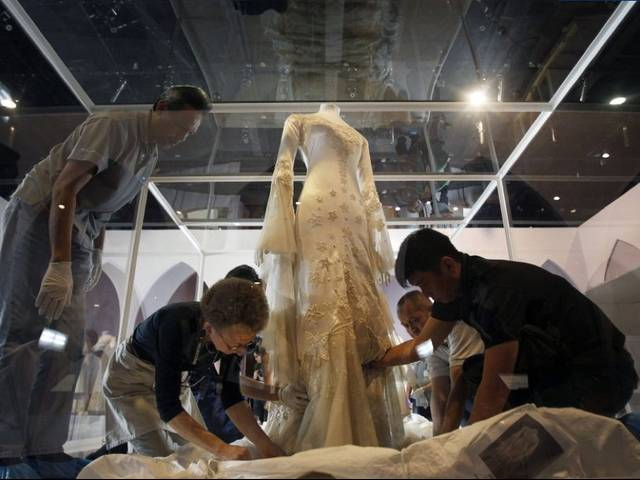 The National Museum of Singapore presents a superb collection of wedding dresses from the Victoria and Albert Museum in London for the very first time