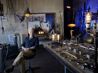For the past 20 years, the Hannover native has focused his complete attention on the creation of his Machine Lights