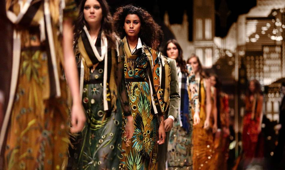 http://senatus.net/article/burberry-revolutionise-fashion-industry-bold-move-unify-runway-retail-calendars/