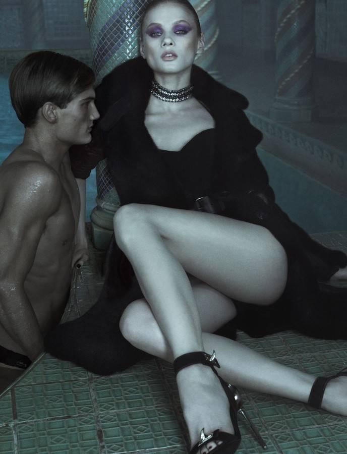 model-anna-selezneva-foto-golaya