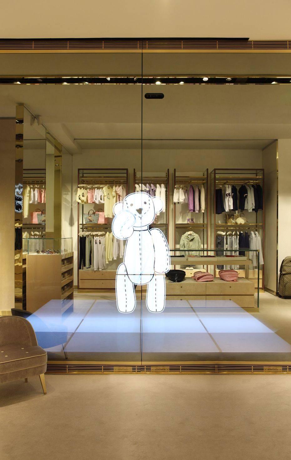 Gucci Immersive Retail Experience Senatus