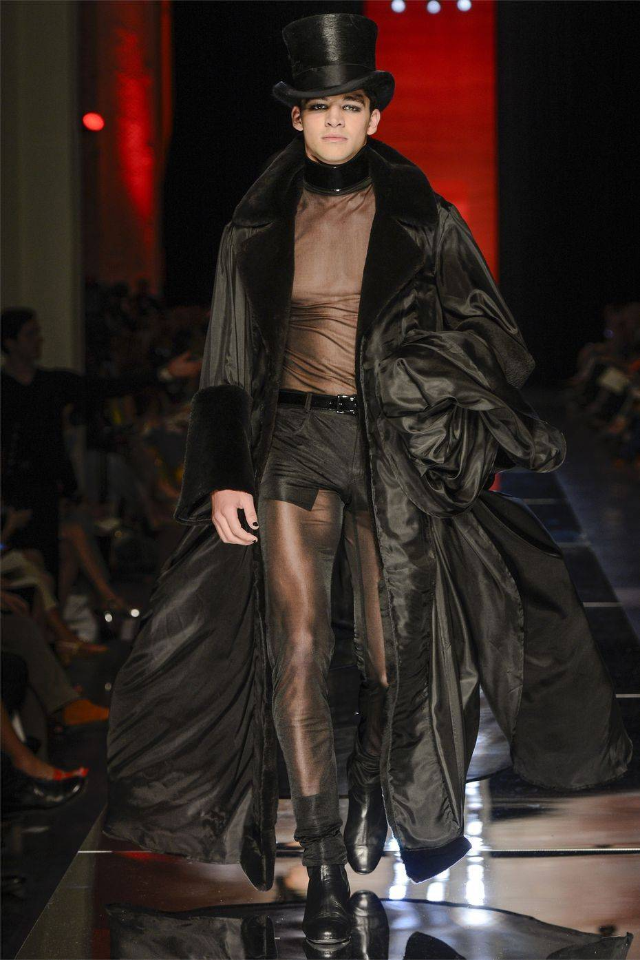 Jean paul gaultier men 39 s haute couture fall winter 2012 for Haute couture male