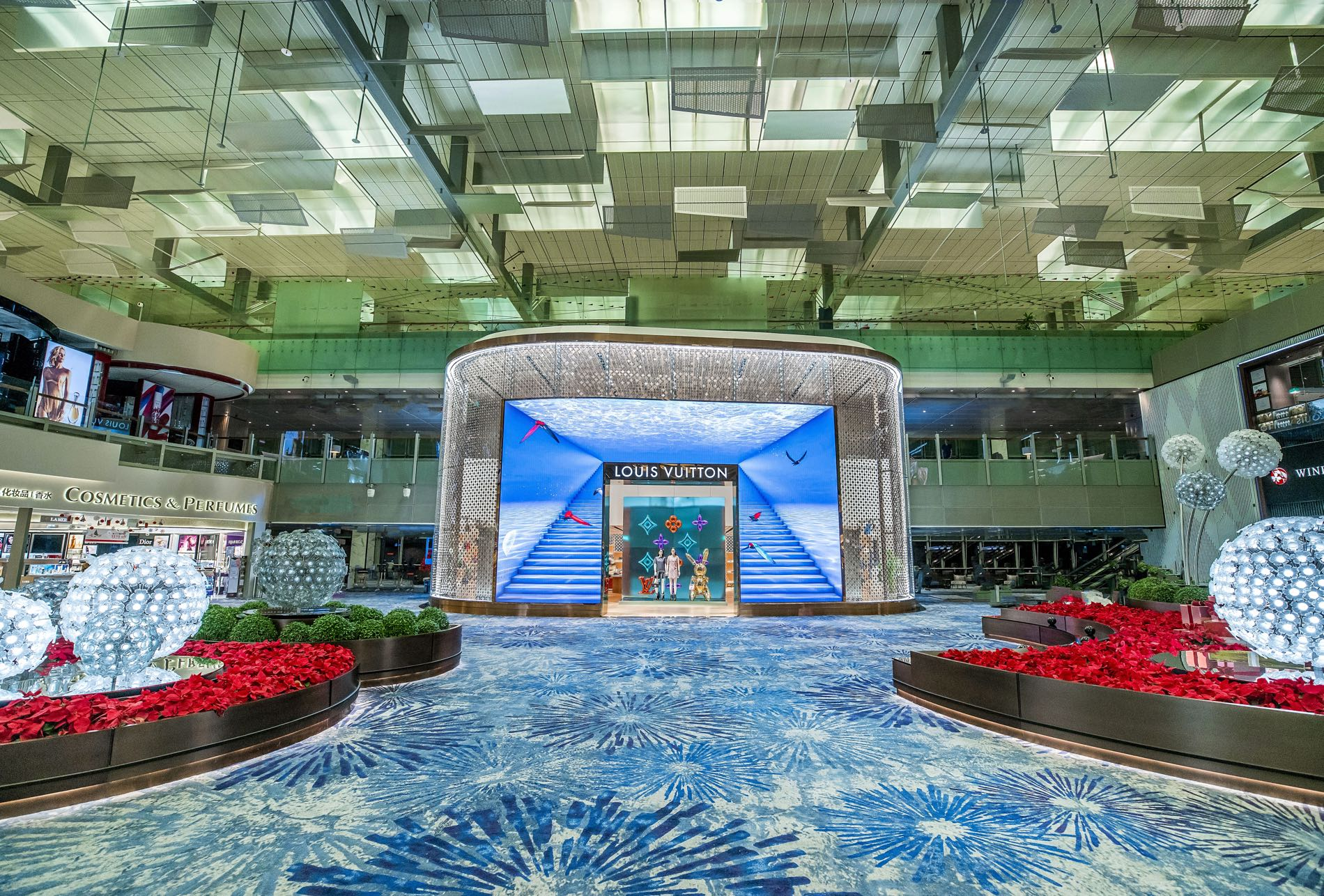 louis vuitton opens 1st airport store in south asia in singapore u0026 39 s changi airport terminal 3