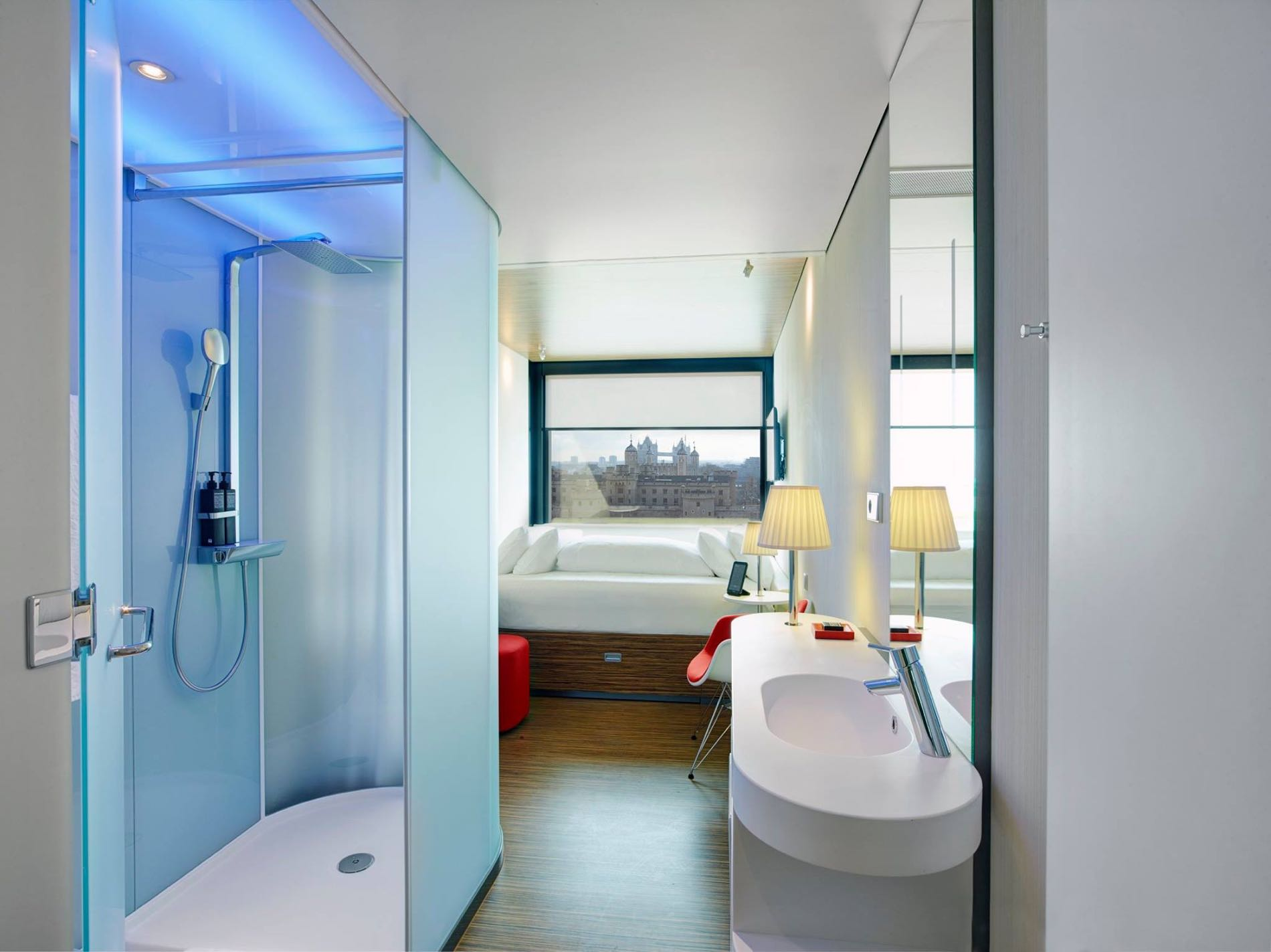 Located in Amsterdam (Amsterdam Zuid), citizenM Hotel Amsterdam South is within a minute drive of RAI Exhibition and Congress Centre and Van Gogh Museum. This 4-star hotel is mi ( km) from Albert Cuyp Market and mi ( km) from Rijksmuseum/5(33).