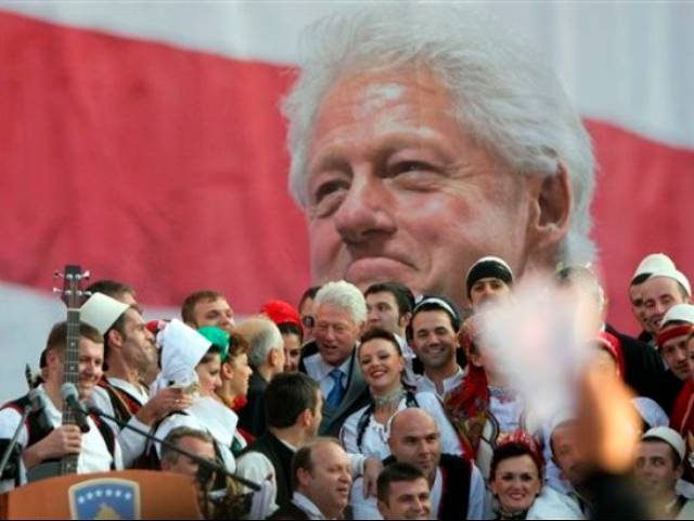 Former US President Bill Clinton attended the unveiling of a statue of himself in the capital of Kos