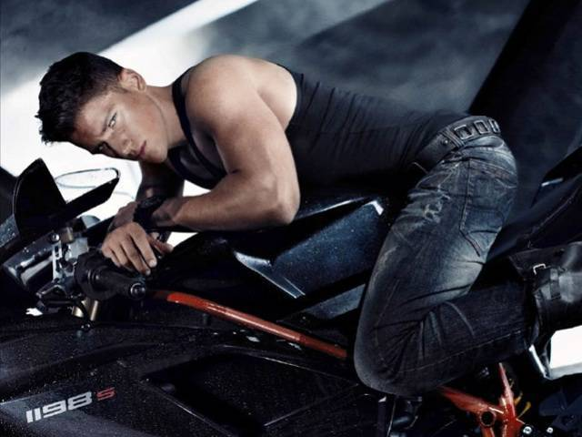 "Armani Exchange's Fall 2010 advertising campaign is entitled ""Speed Style"" and features Arthur Sales"