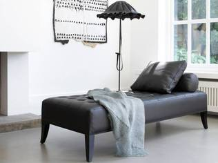Piet Boon's Sam daybed, cushion, roll cushion and Lude floor lamp | Photo/Grootes Styling/Huisman