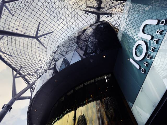 Singapore's landmark mall opens amidst much anticipation