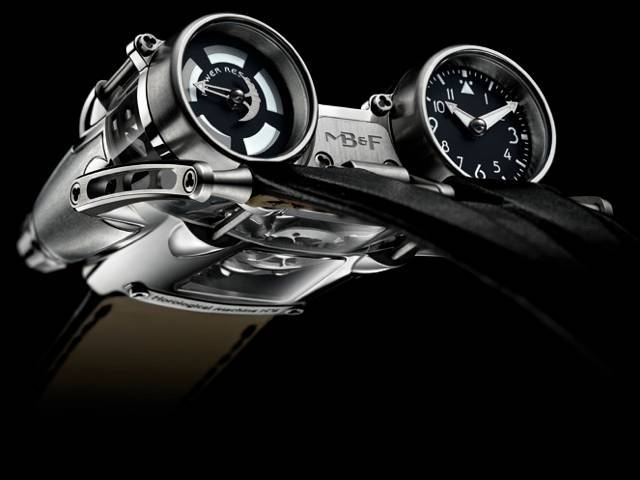 The Horological Machine No.4 adds magnificence and ferocity to horlogerie in a manner never seen before!
