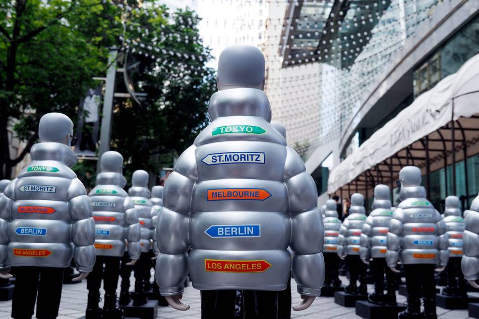 Hasil gambar untuk Hong Kong store, Moncler CEO